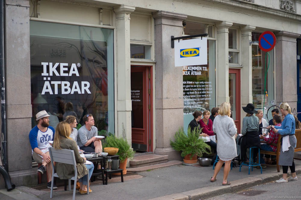 The people of Grünerløkka enjoying their limited neighborhood restaurant