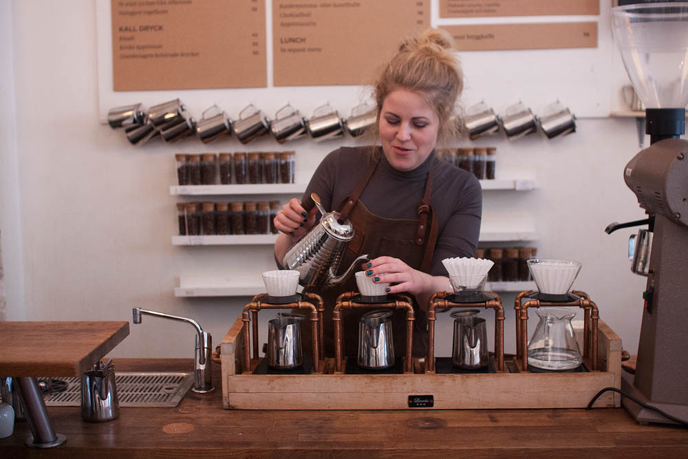 A girl from Sandnes brewing us a cup of Kalita