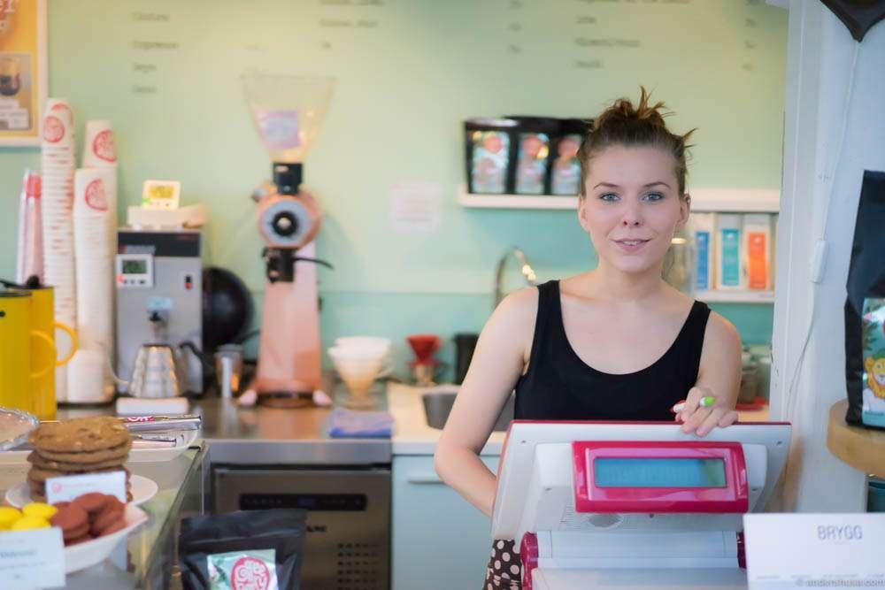 Silje Alice behind the bar
