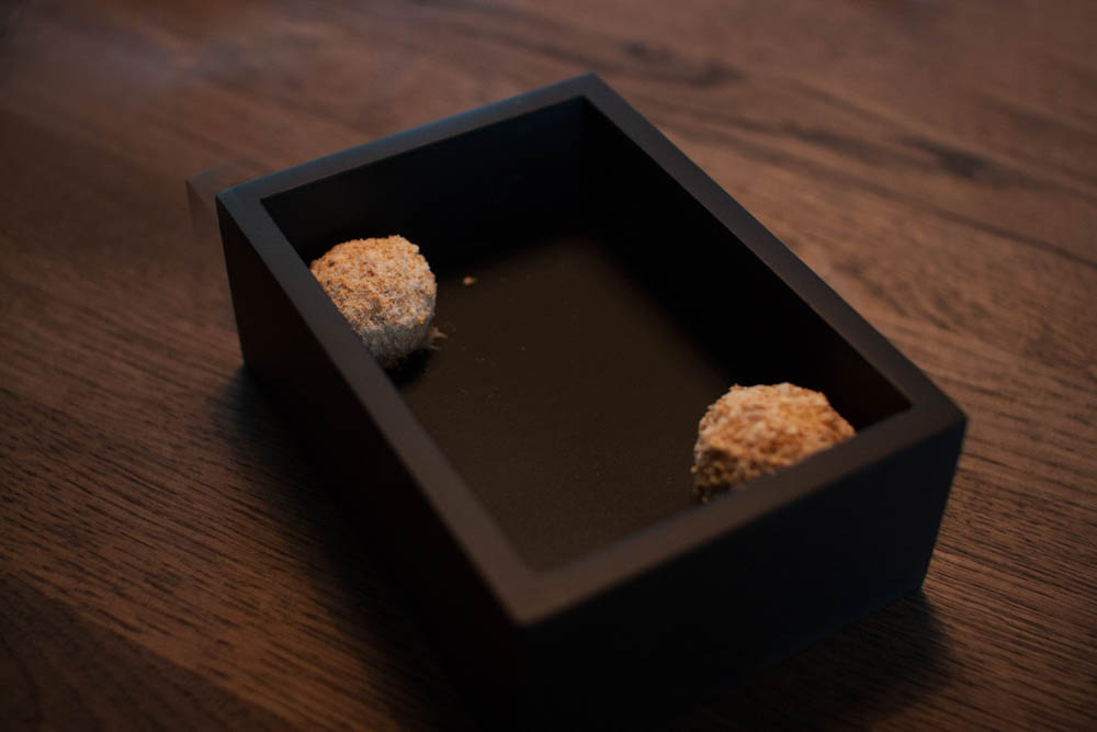 An amuse-bouche to start off the meal. Cauliflower, oyster cream and chocolate praline. The first contrast of the meal. Savory and sweet at the same time. A great combination.