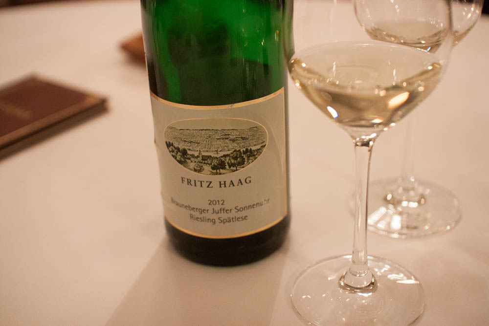 Fritz Haag – Brauenberger Juffer-Sonnenuhr. Riesling Spätlese 2012. Anders' favorite of the evening of course.