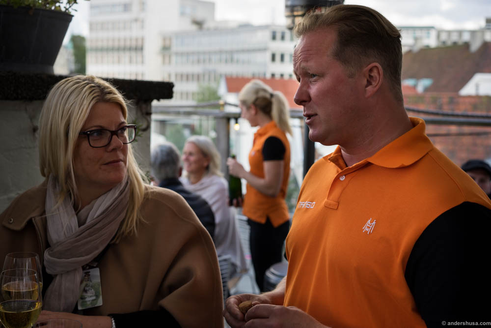 Knut Espen at Tango gave us great advice for bubbles to go in our glasses. Anne Cathrine listens all ears
