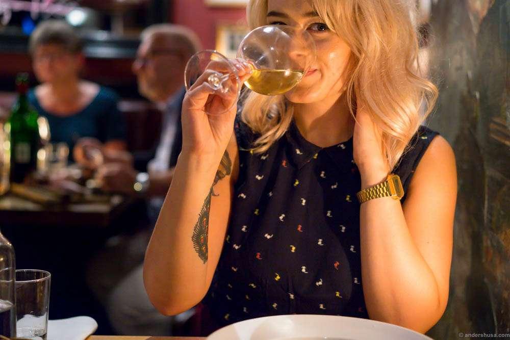 stlars-st-lars-andreas-viestad-gastropub-bistro-burger-perfection-brioche-oslo-norway-scandinavia-restaurant-review-food-foodie-eat-eating-dine-dining-best-tips-guide-travel-11-2015