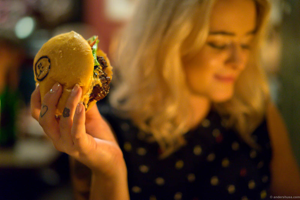 The perfect burger in the perfect burger grip