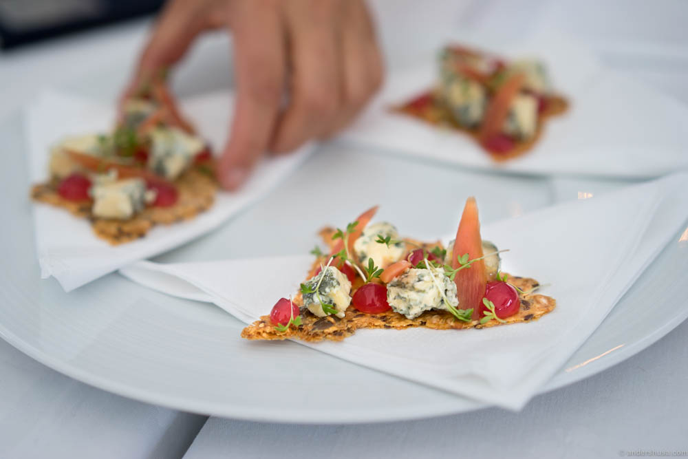An original cheese serving. Kraftkar blue cheese, cress and variations of rhubarb, served on a crispy bread