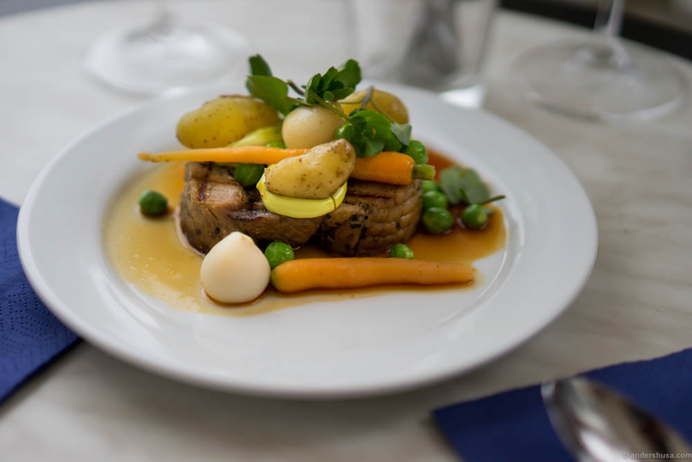 Lamb confit from Prima Jæren, potatoes from Gyda gård at Hommersåk, peas, carrots and turnip