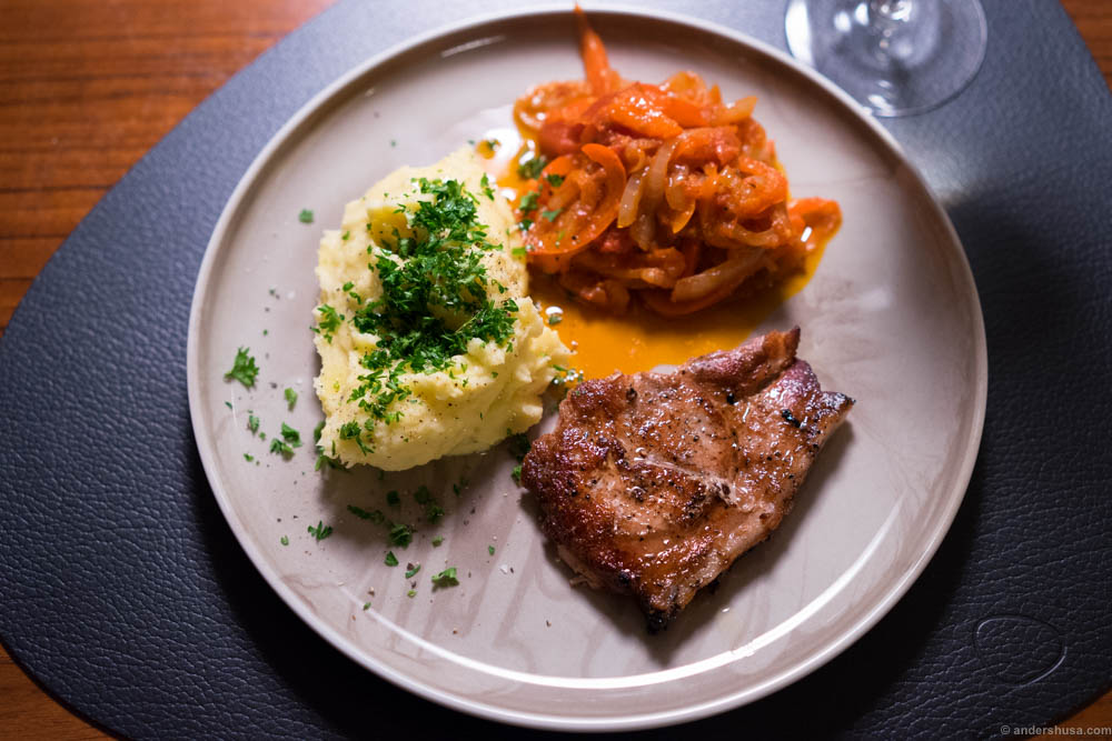 Free range mountain pork from Valdres with potato mash and Harissa relish