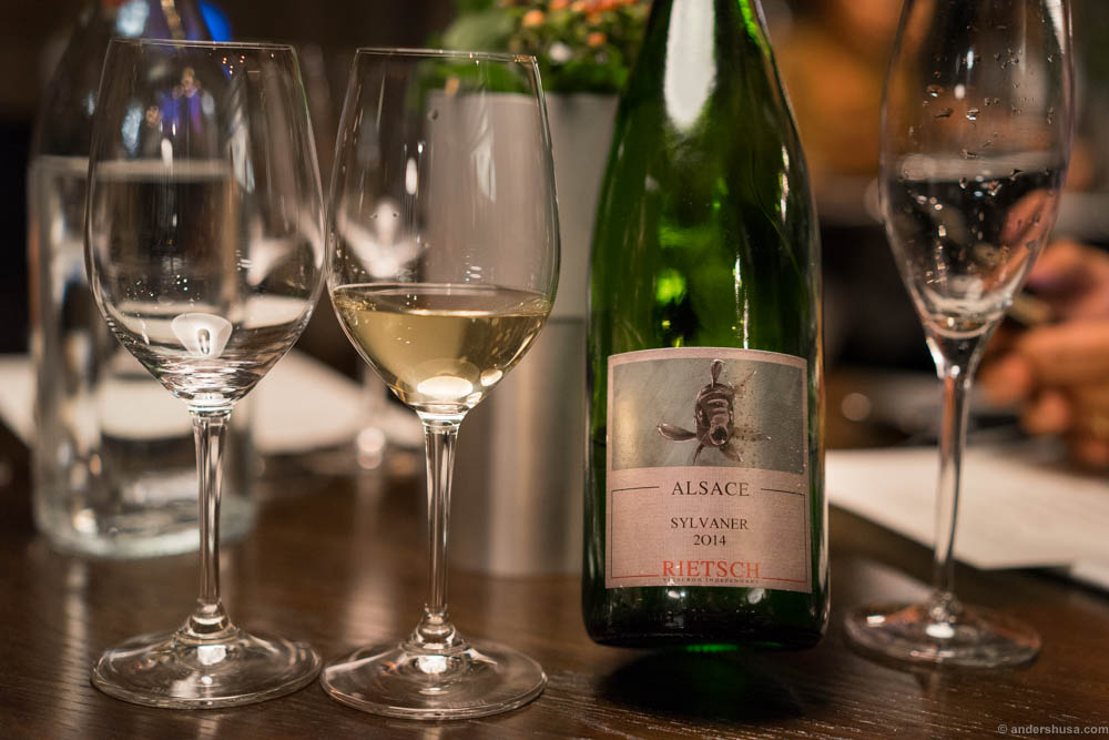 Rietsch Alsace Sylvaner 2014. Nice acidic structure, a gentle fresh sweetness. Green apples!
