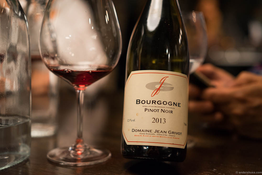 Domaine Jean Grivot, Bourgogne, Pinot Noir, 2013. A light red wine, but with a surprisingly strong flavor of red fruits!