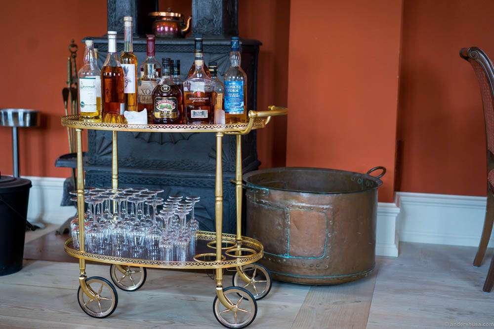This liquor trolley