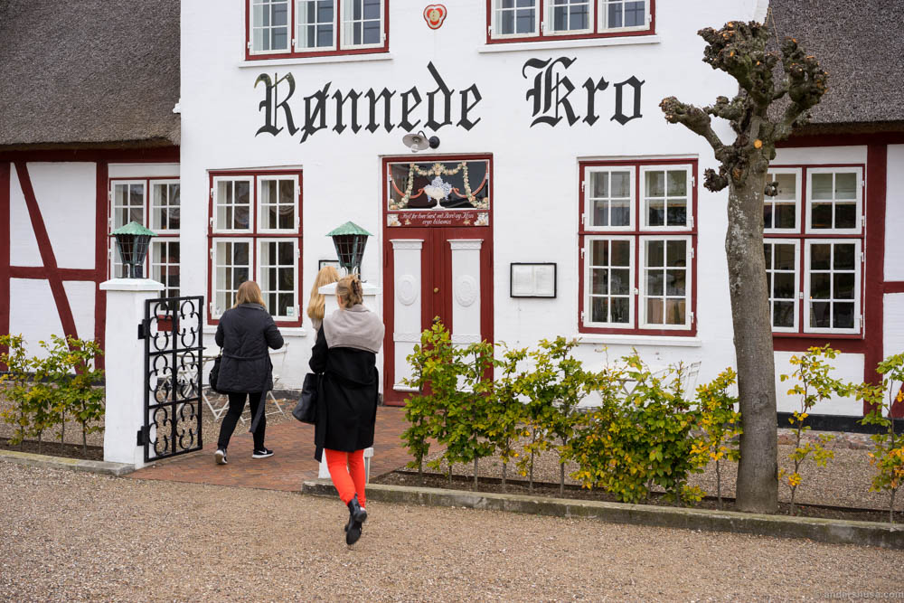 The morning flight from Copenhagen and a 45 min drive makes you hungry. Rønnede Kro is a perfect stop