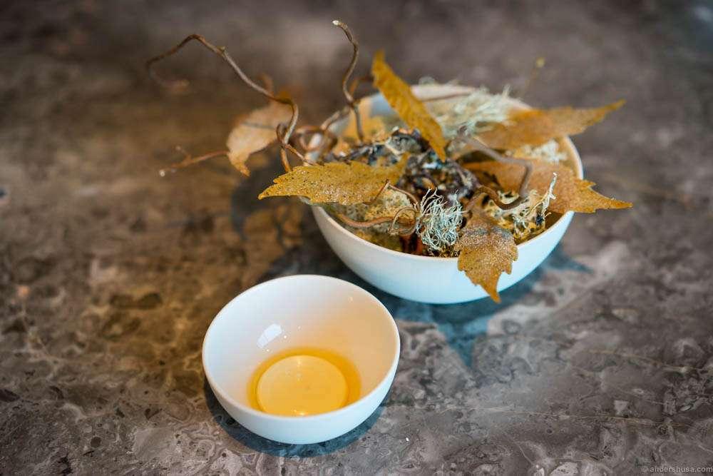 Jerusalem artichoke leaves, rye vinegar & walnut