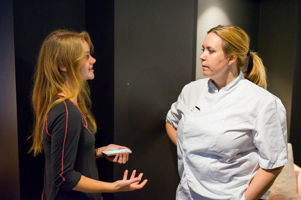 Maria and Kari discussing the Oslo restaurant scene