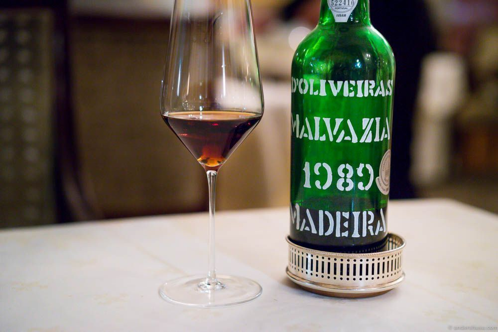 Pereira d'Oliveiras, Malvazia 1989. Time for cheese...