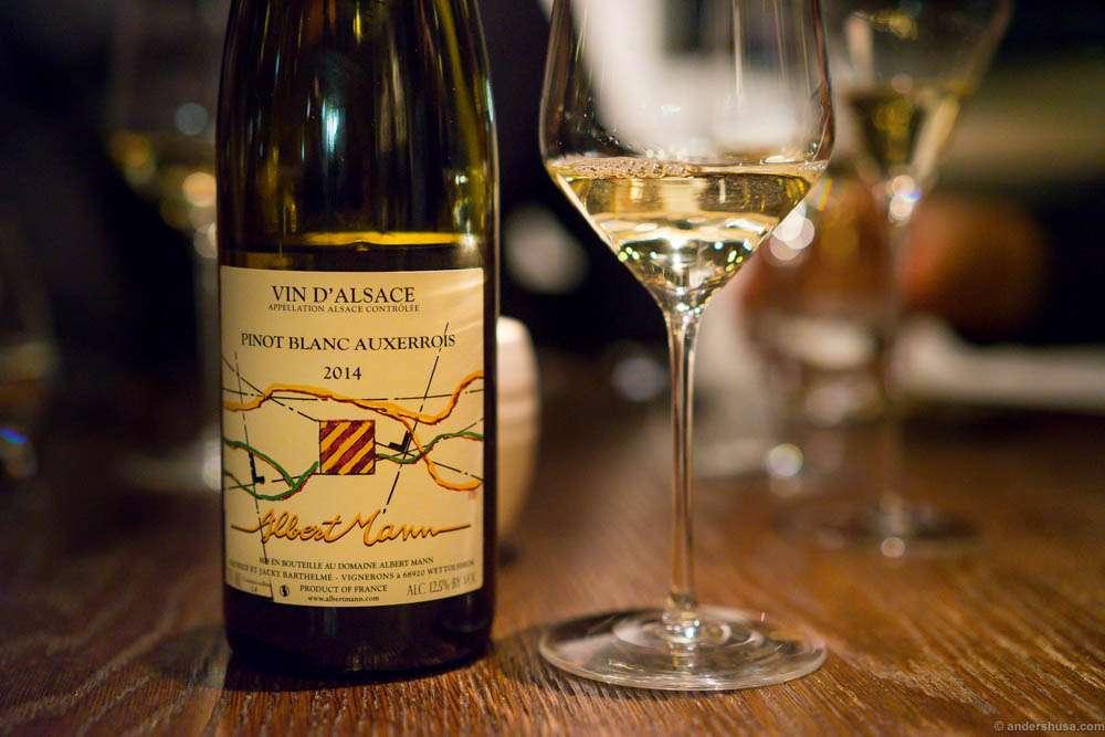 Domaine Albert Mann, Pinot Blanc-Auxerrois, 2014. Citrus aroma, quite acidic.