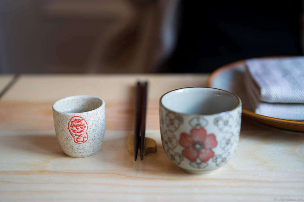 Sparkling sake and green tea