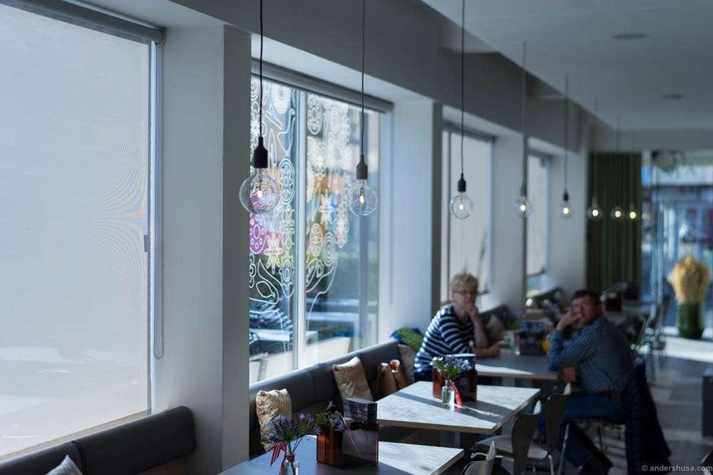 The café of Charles & De
