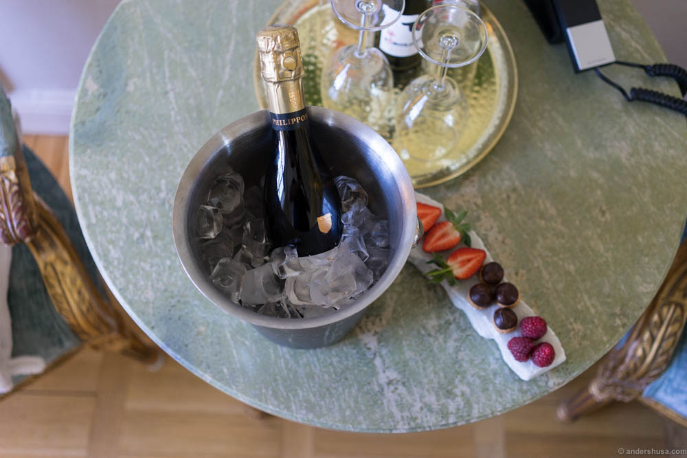 Sparkling wine and fresh fruits awaiting us at our arrival