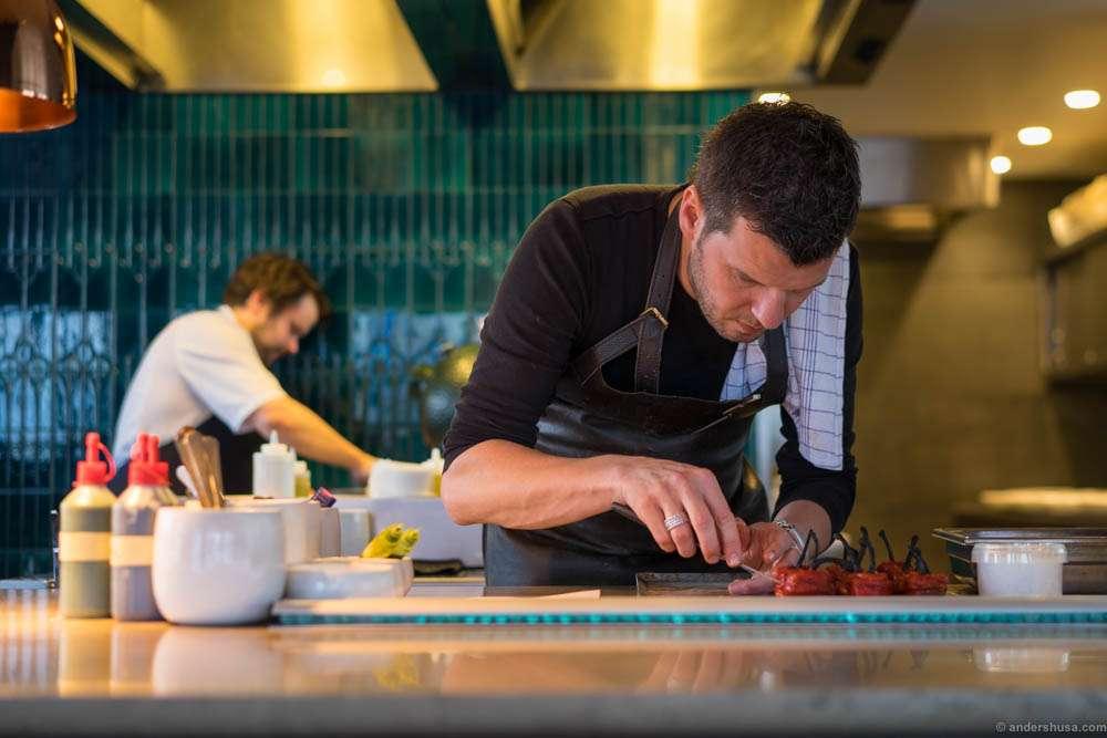 Gert de Mangeleer prepping one of his dishes