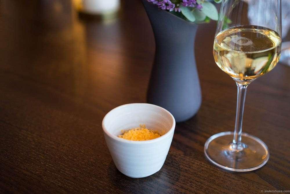 Hertog Jan snack 3: Potato, vanilla and Mimolette cheese. And odd, but tasty combo