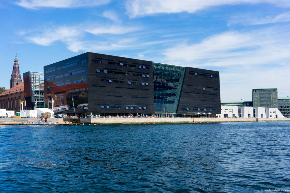"""The Black Diamond"" is the royal library and home for the restaurant Søren K"