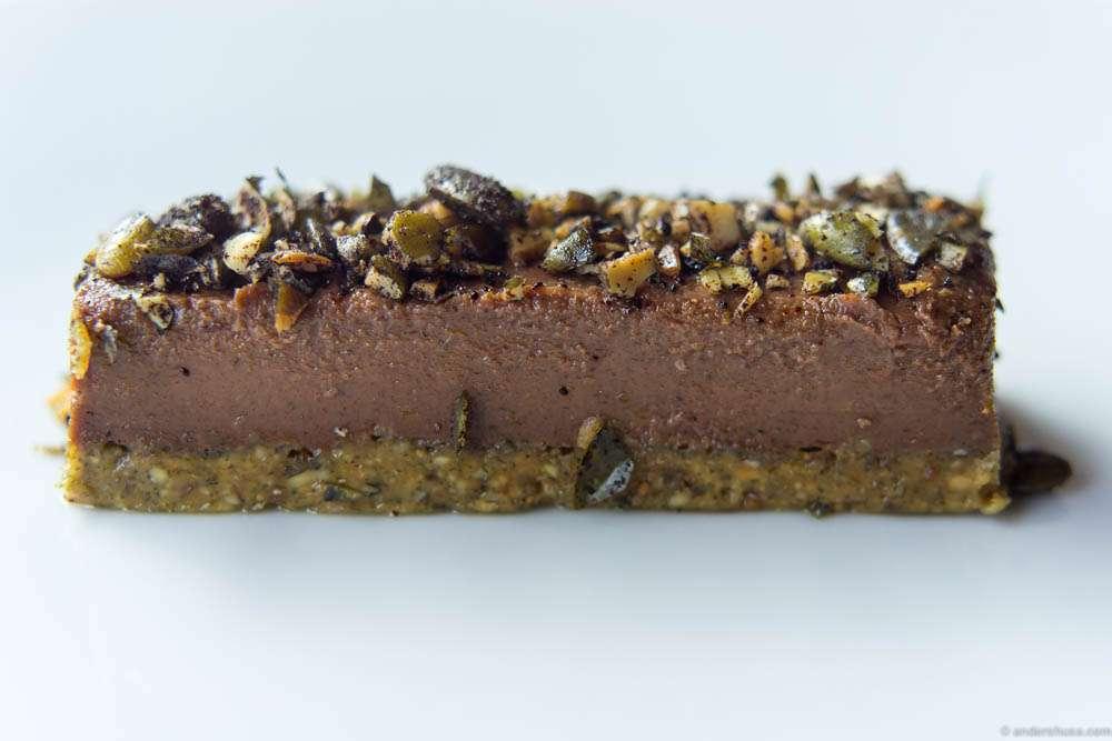 Raw cake with Lakrids powder