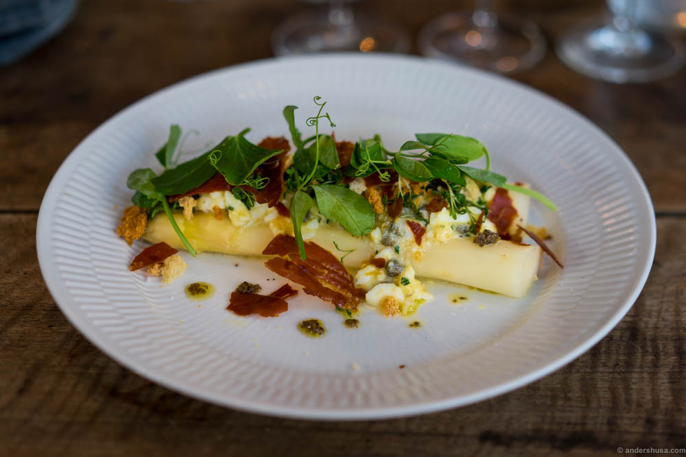 White asparagus with bacon and truffle vinaigrette