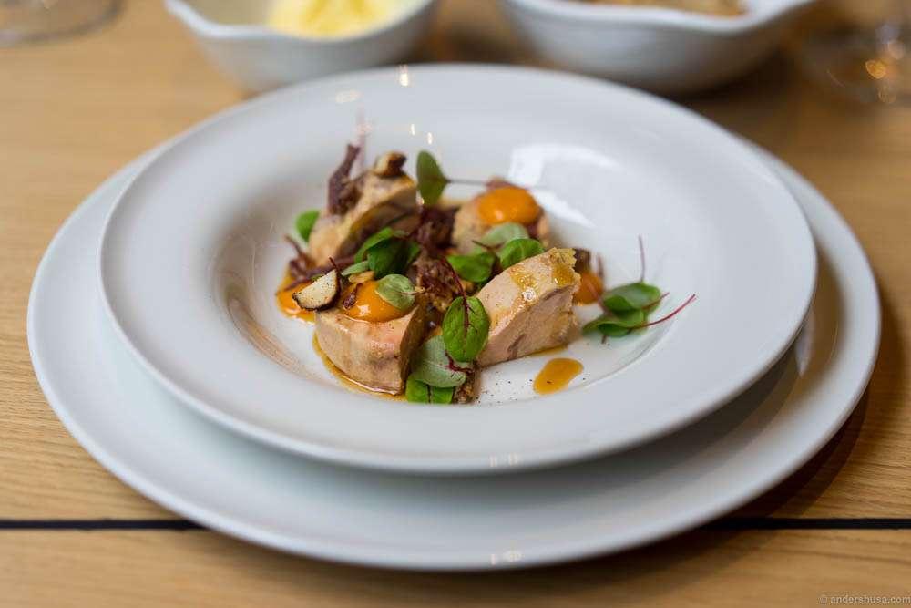 """Smoked lamb rib (""""pinnekjøtt""""), duck liver terrine, macademia & seabuckthorn"""