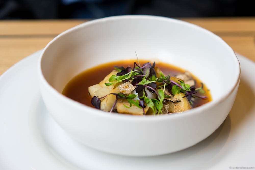Celeriac soup, quail egg & black truffle