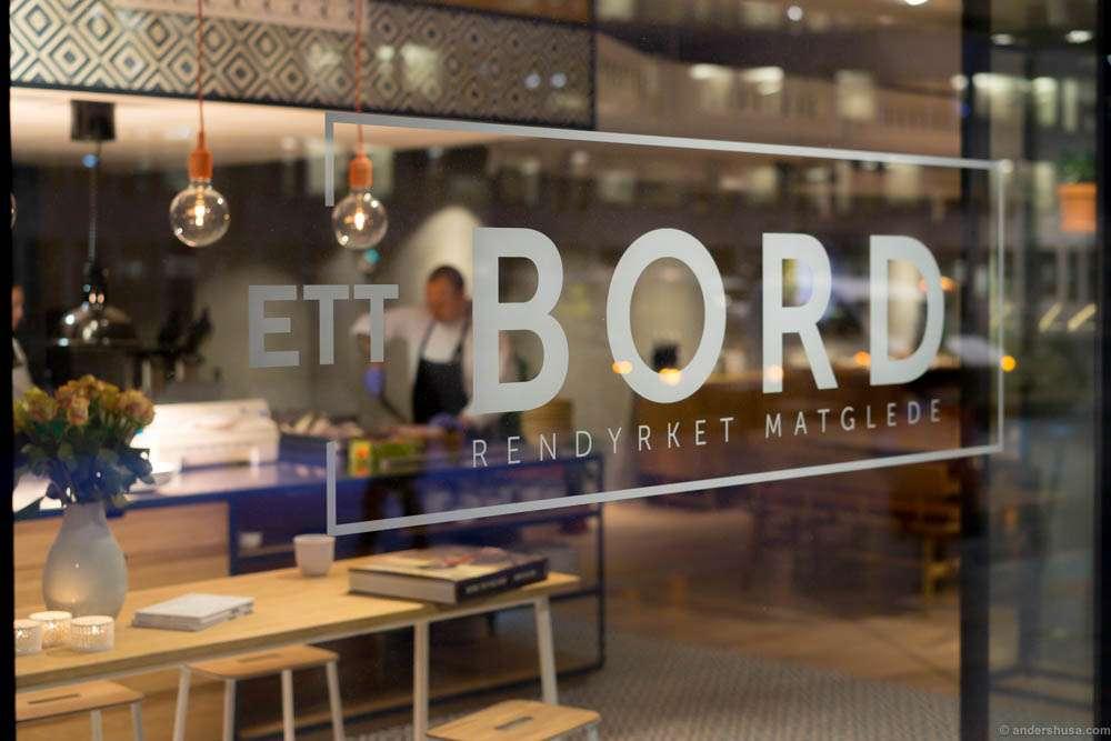 """""""Ett Bord – Rendyrket Matglede,"""" One Table – Pure Enjoyment of Food"""