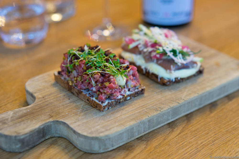Rye bread with tartare, mustard, mayo & cress
