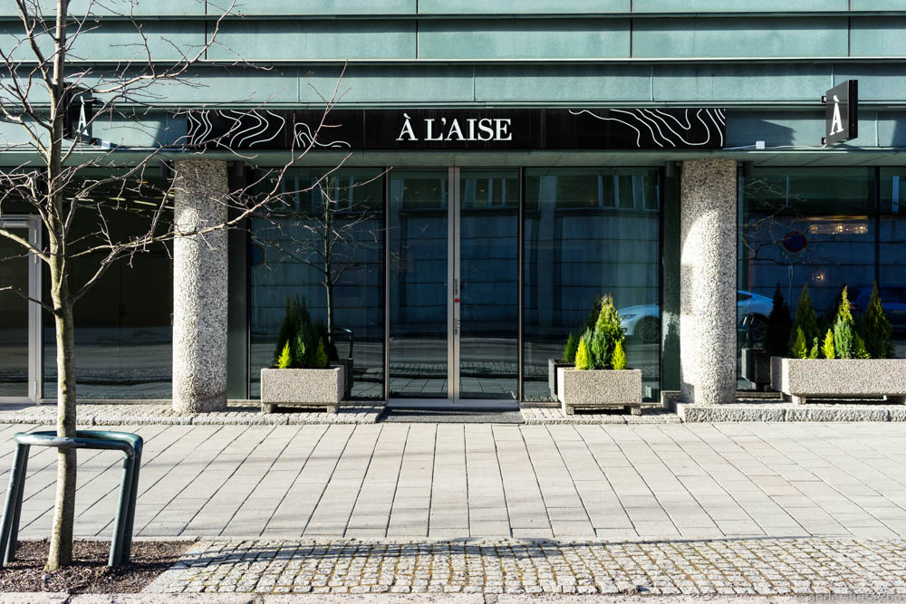The entrance to restaurant À L'aise in Majorstua in Oslo.