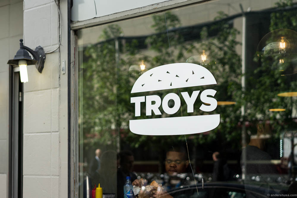 Troys is Oslo's newest burger bar.