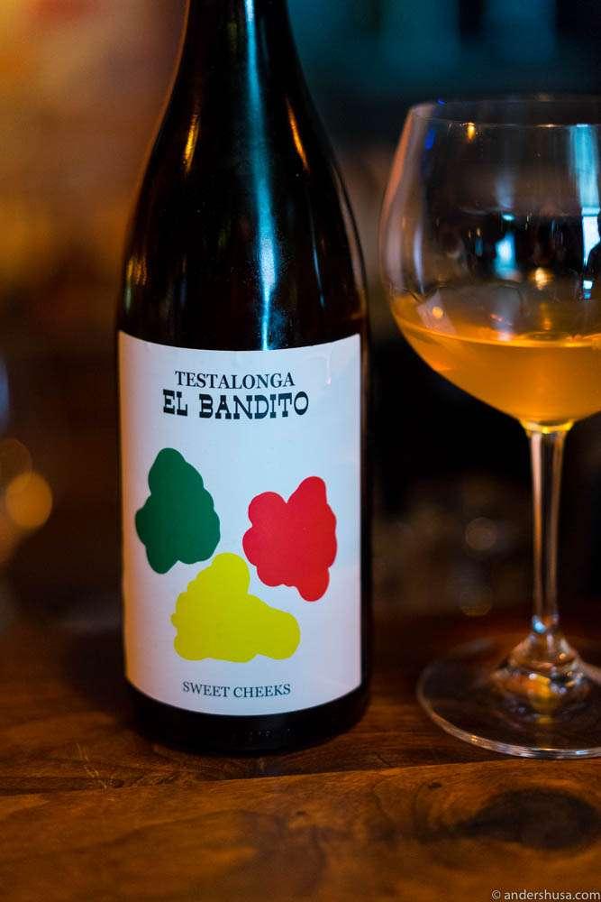 Testalonga El Bandito, Sweet Cheeks
