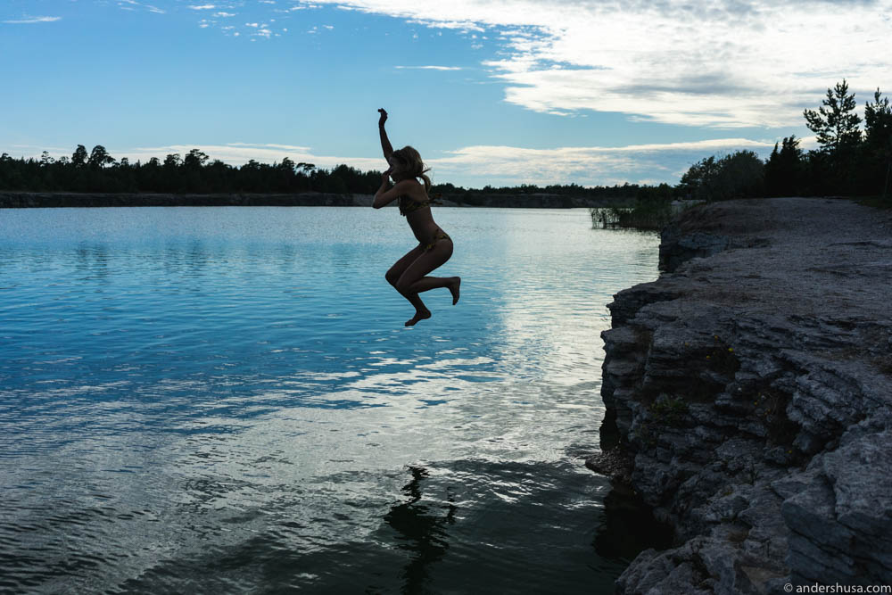 Heddis, aka Hedda Over Heels, jumping into the Blue Lagoon