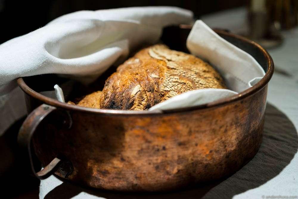 """""""Schützener jause"""" – homemade bread"""