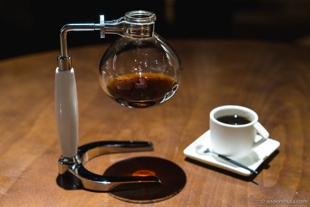 Siphon coffee at LOCO