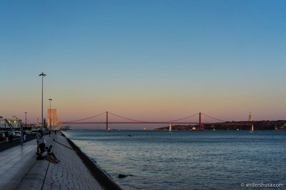 A beautiful evening in Belém, with the sun setting on the 25 de Abril bridge