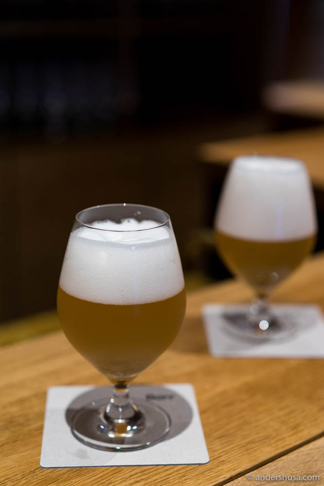 Grab a beer in the bar of barr andershusa for Best craft light reviews