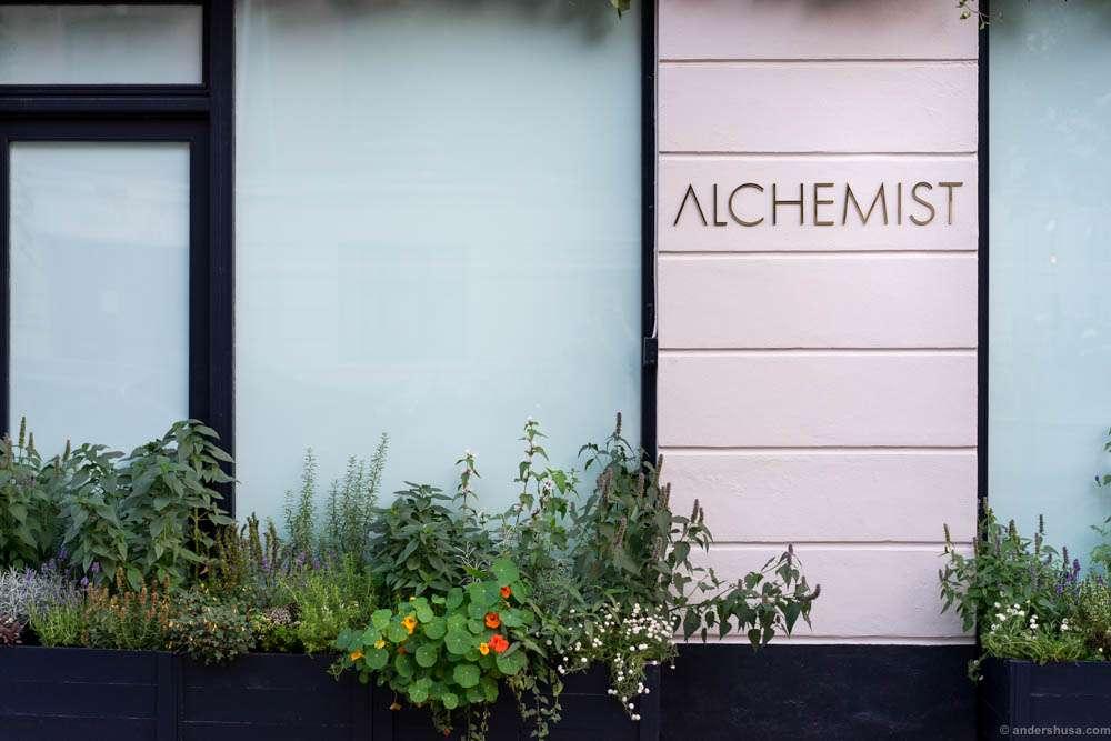 Alchemist at its current location in Århusgade 22