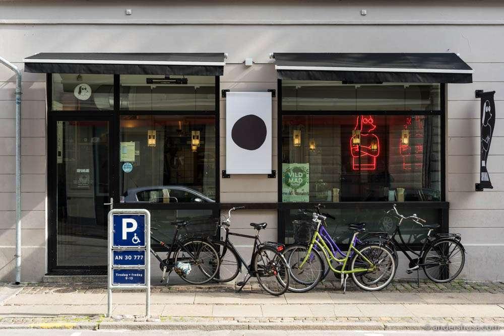 Slurp Ramen is located at Nansensgade 90