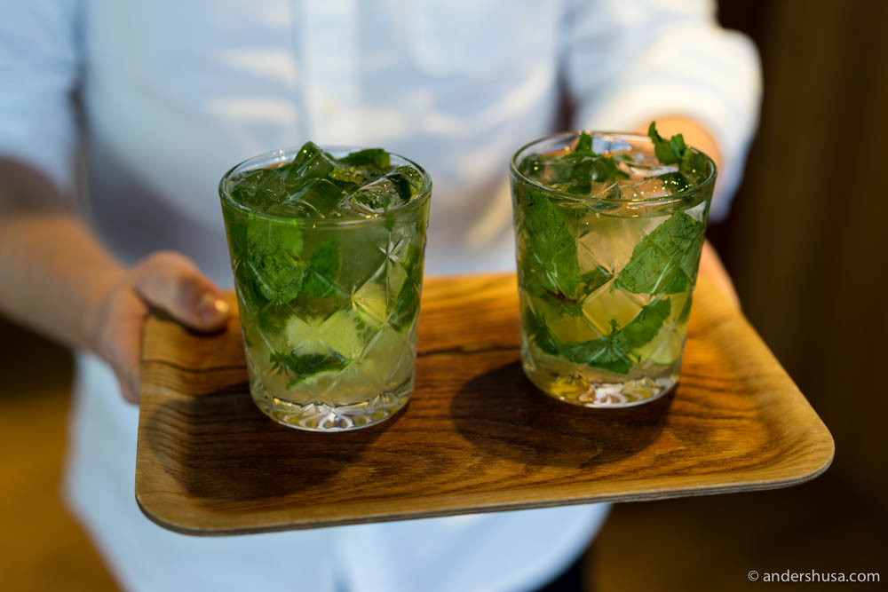 A cocktail twist on Mojito with Champagne & Nøgne Ø age sake
