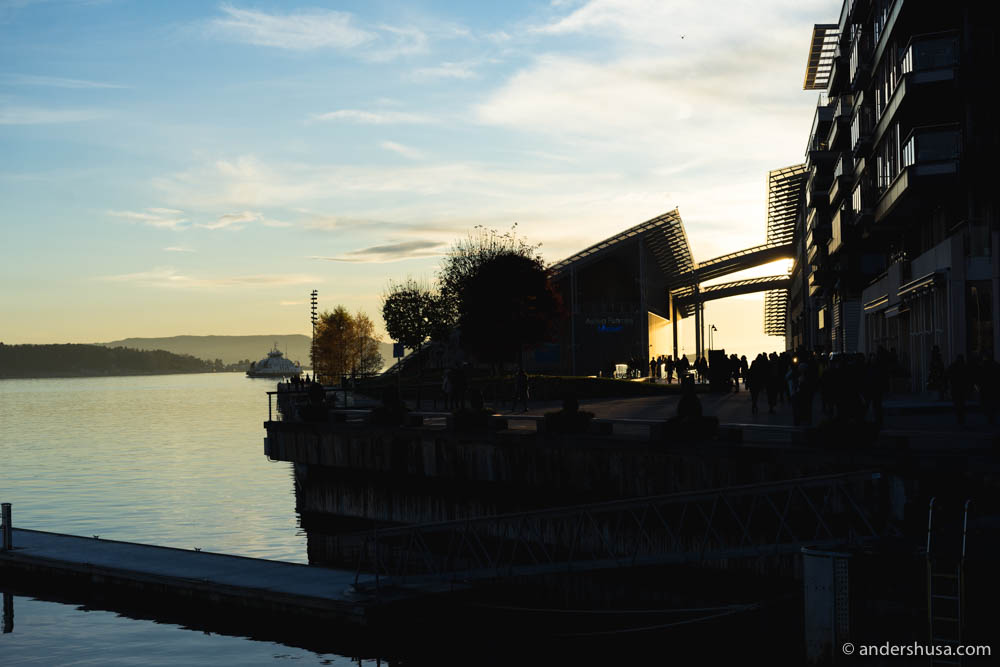 The sun sets on the Astrup Fearnley Museum