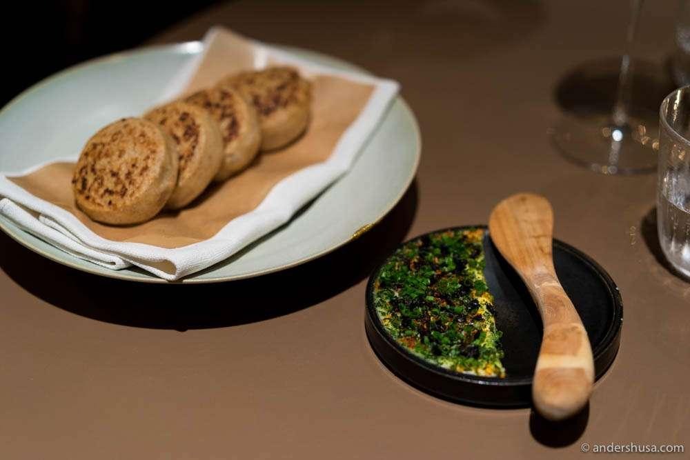 Rye bread rolls with smoked butter, algae & Espelette chili pepper