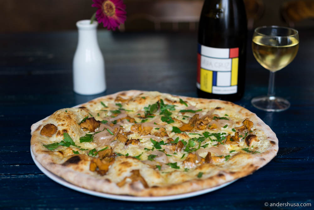 Pizza of the month with chanterelles