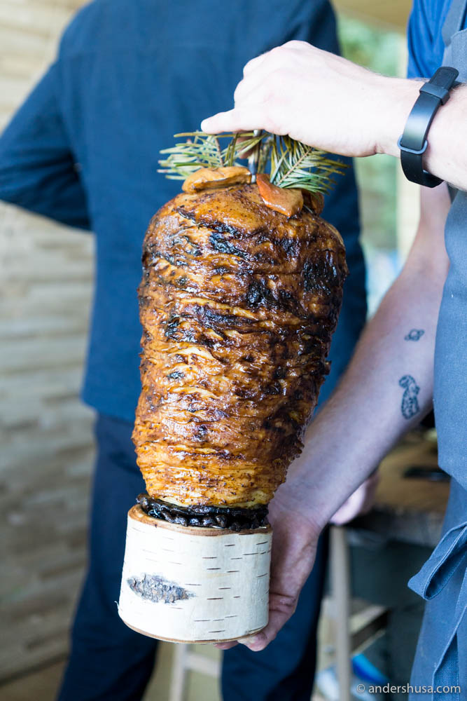 "Celeriac Shawarma ""Al Pastor"" with apples (Nordic pineapples?)"