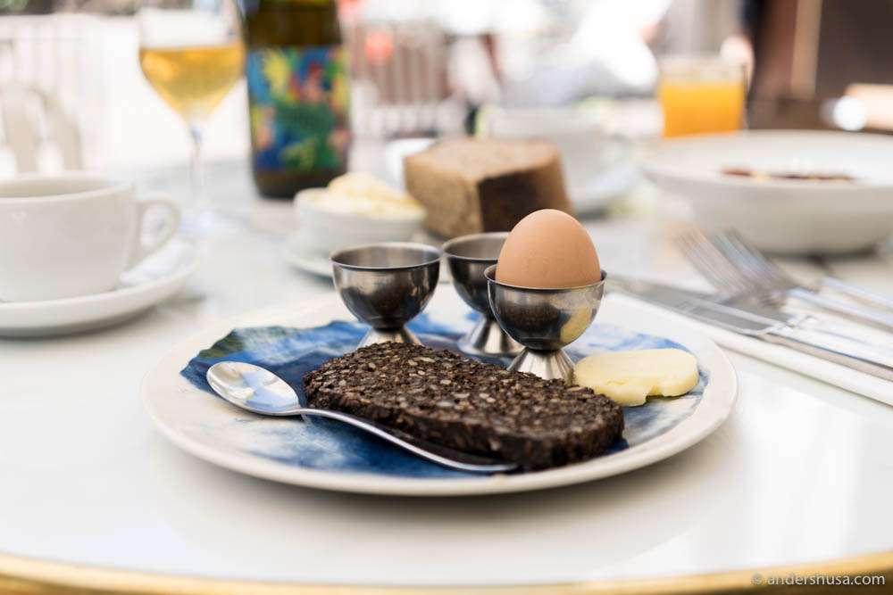 Rye bread, butter & egg