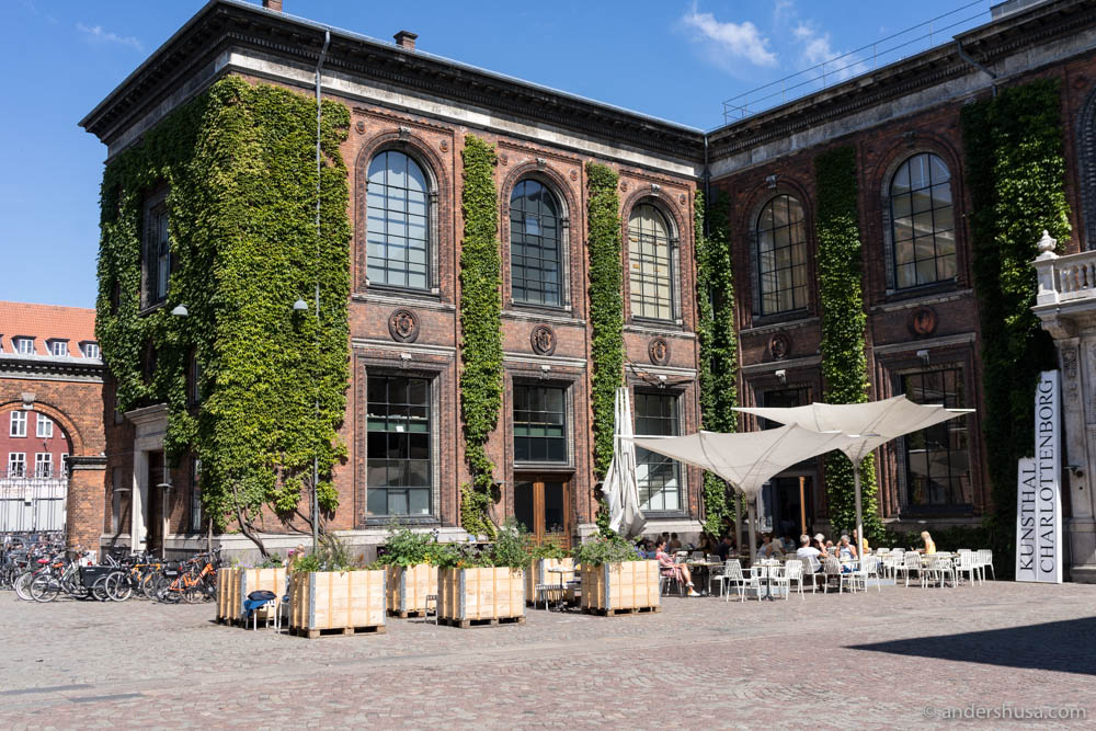 Apollo Bar is located in Charlottenborg Kunsthal
