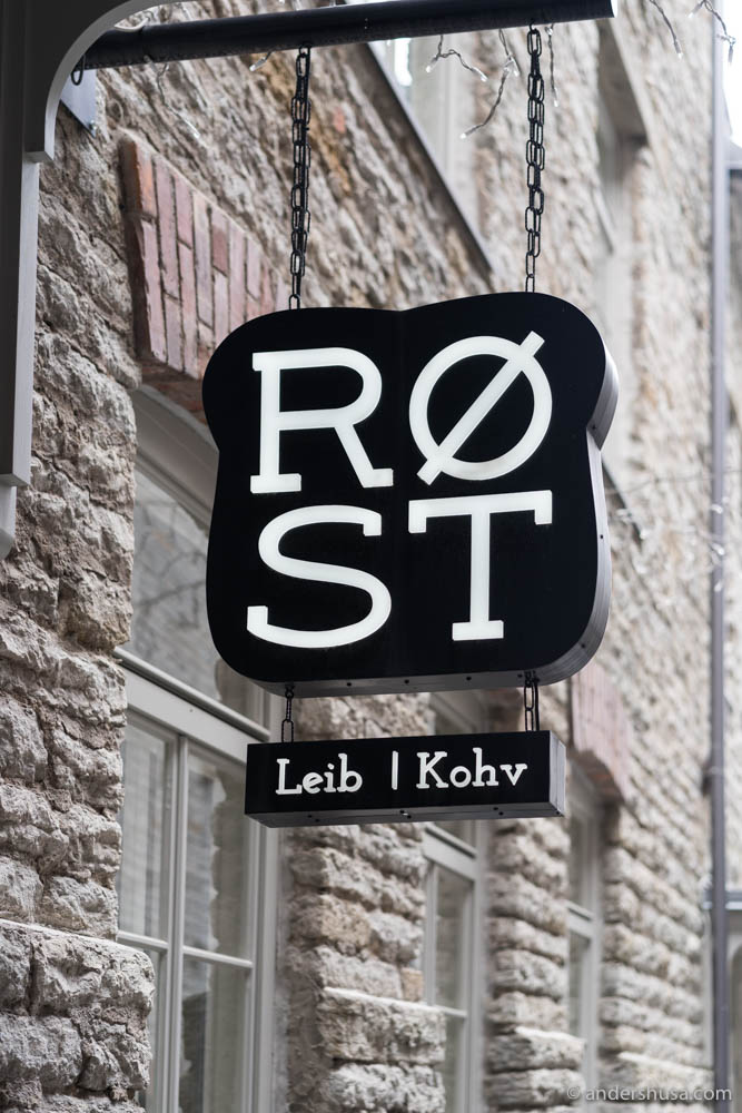 Røst – bread and coffee