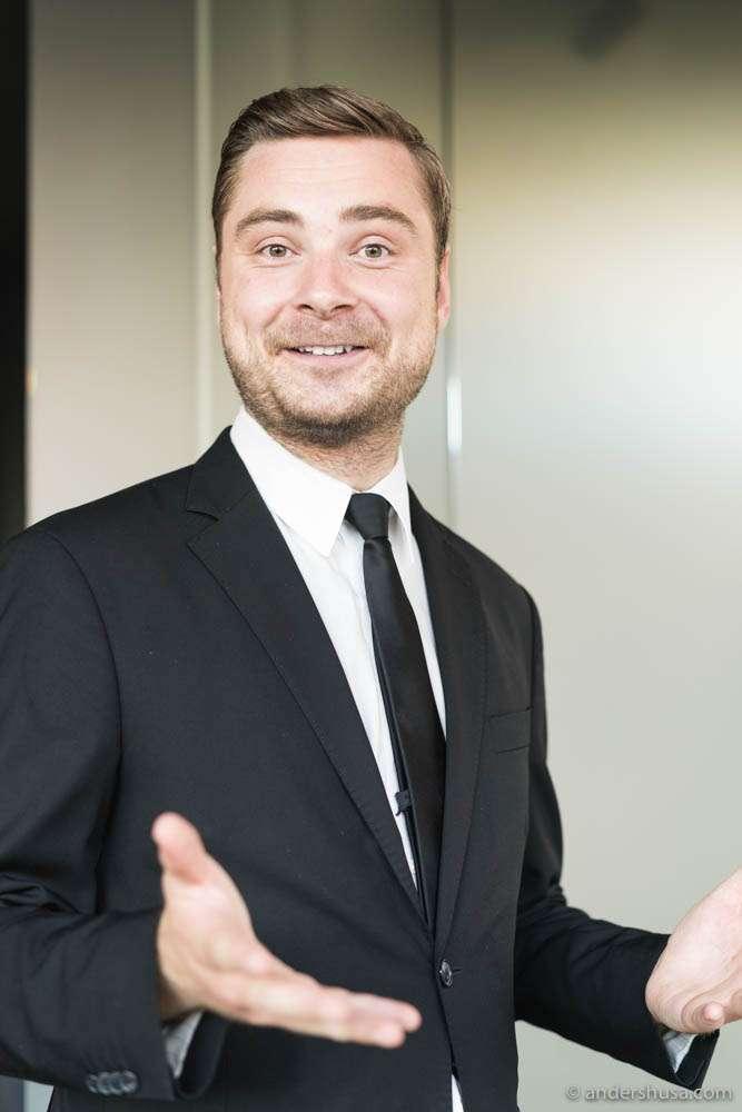 Maaemo waiter Erlend Lehland